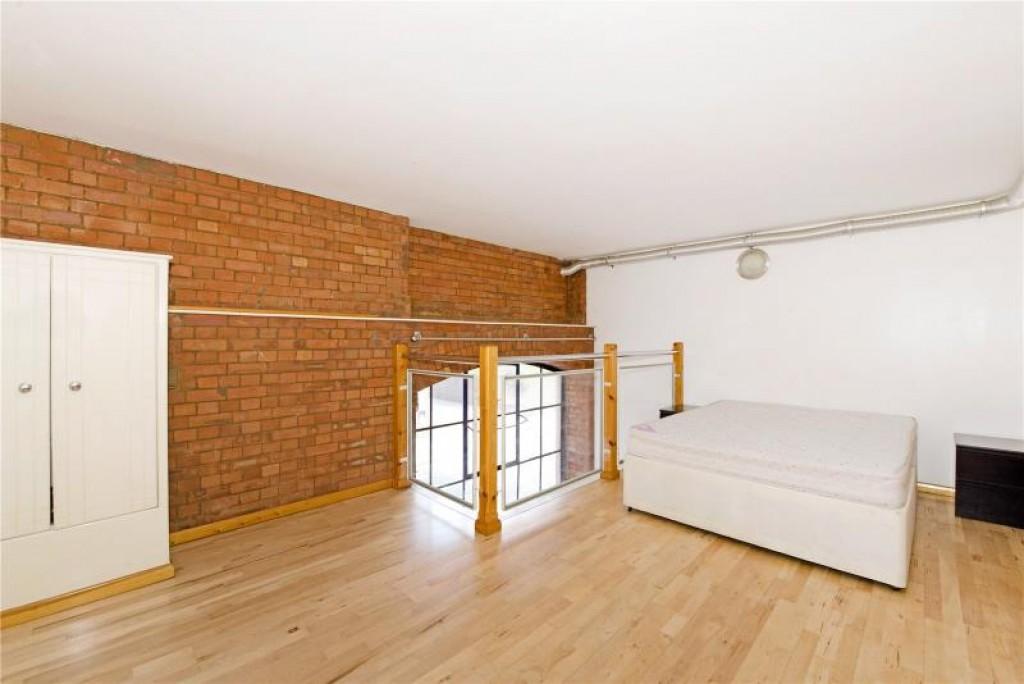 Canonbury Apartment
