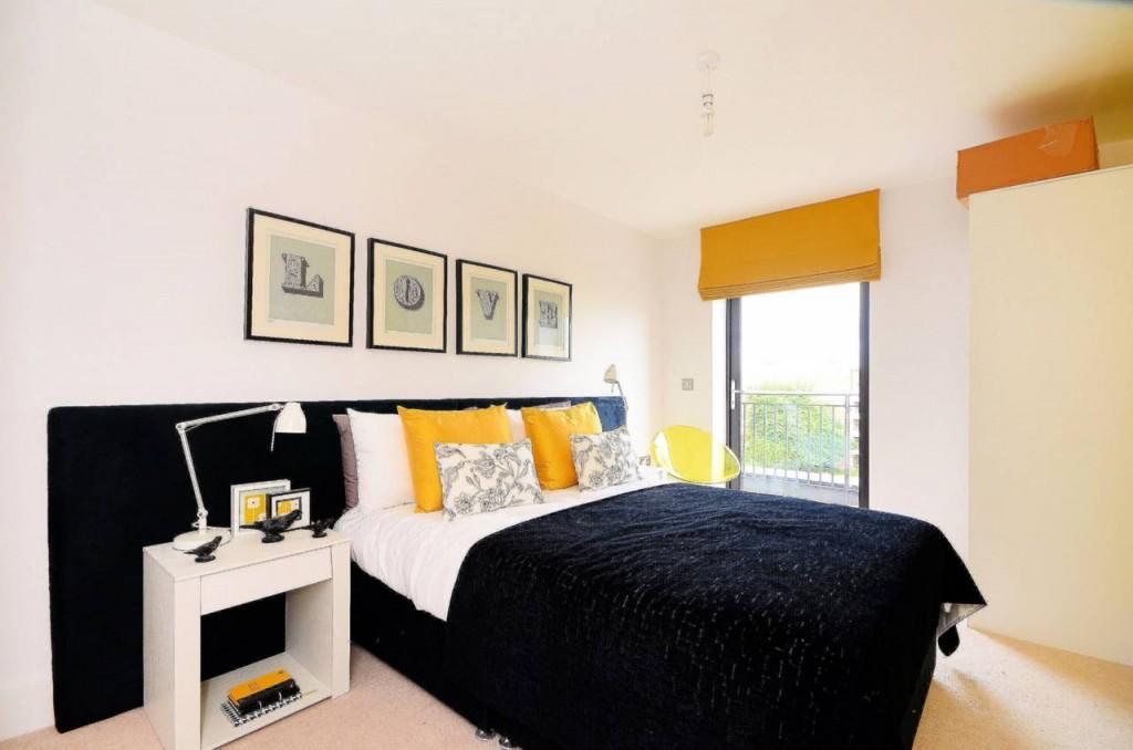 Bow Apartment